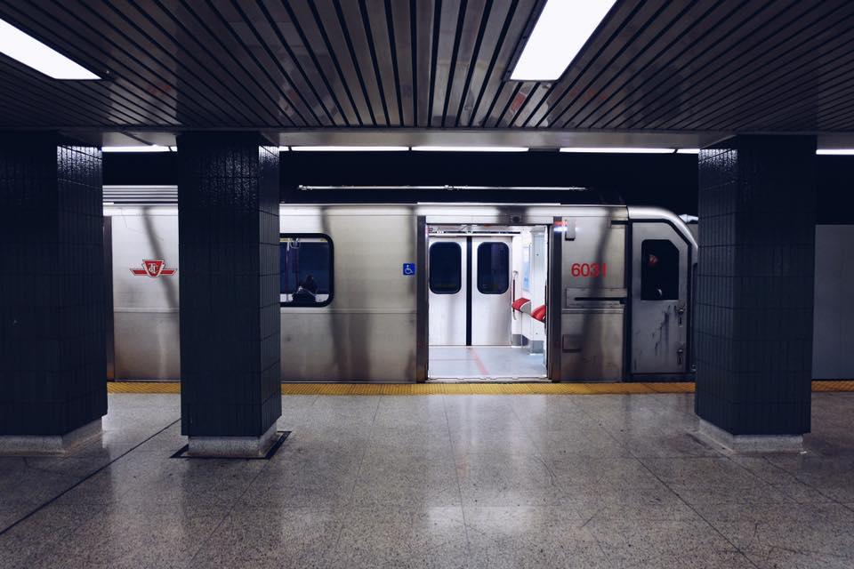 Đây là tàu điện ngầm TTC ở Toronto